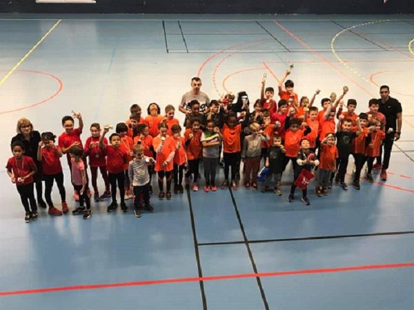 Compétition école d'athlé en gymnase
